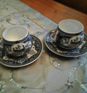 Две фарфоровые чашечки для кофе