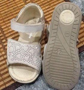 Детские туфельки, 22