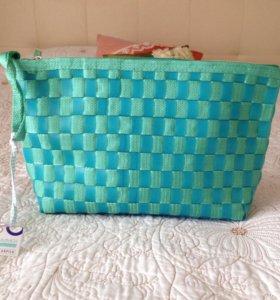Новая сумка-косметичка, ремешок на кисть (Италия)