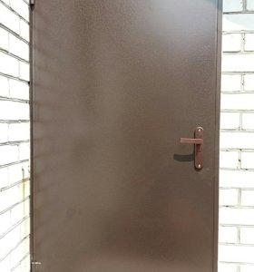 Дверь входная на улицу