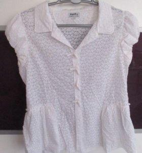 Рубашка на девочку в идеальном состоянии