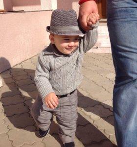 Костюм и шляпа