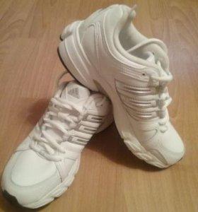 Продам НОВЫЕ кроссовки ADIDAS SPORT'S