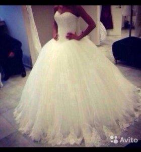 Платье свадебное белое