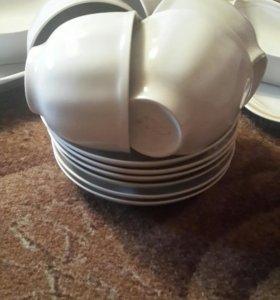 Набор посуды(салатники,блюда,чашки с блюдцами)☕☕☕