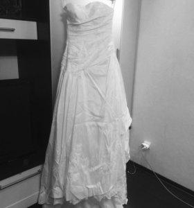 Брэндовое Свадебное платье , фата