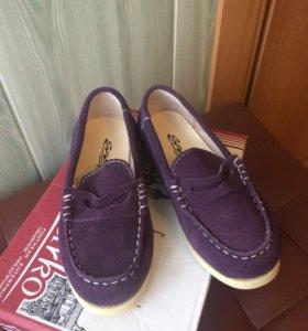 Новые кожаные туфли на девочку