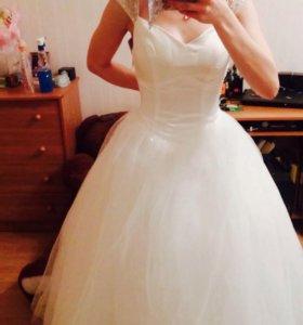 Платье свадебное. Возможен торг