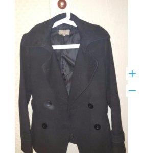 Пальто. 42-44. В отличном состоянии