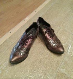 Туфли женские размер 38,5- 39 б/у