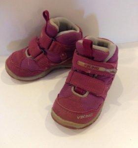 Демисезонные ботиночки Viking