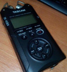 Аудио Рекордер Tascam DR-40