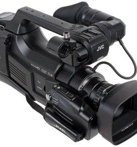 Видеокамера профессиональная