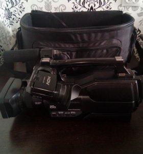 Профессиональная видеокамера HVR-HD1000E