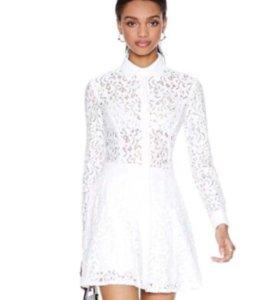 Кружевное новое платье