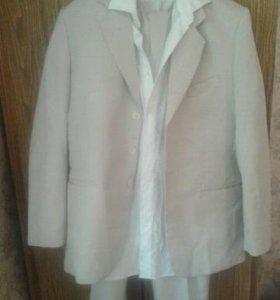 Классический фирменный костюм.46-48