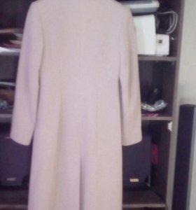 Пальто,размер 44-46