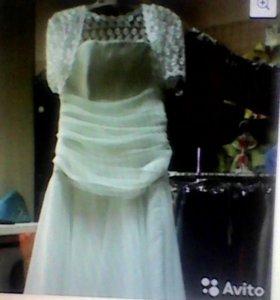 Платье на корсете с болеро из гипюра
