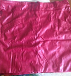 Красная мини юбка из кожзама