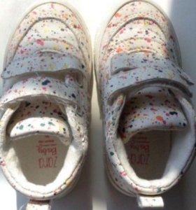 Детские кроссовки Zara Baby, размер 20
