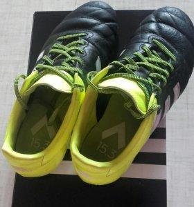 Футбольные бутсы от Adidas