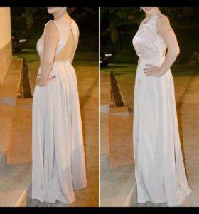 Платье Dior.