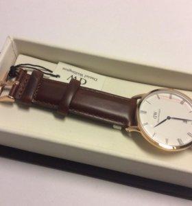Часы наручные DANIEL WELLINGTON Dapper St. Mawes