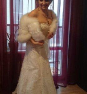 Свадебное платье и аксессуары