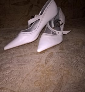 Туфли белые. Новые!