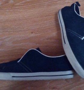 Новые мужские замшевые ботинки