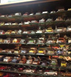 Коллекционные модели машинок оптом 300 штук.