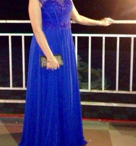 Очень красивое вечерние платья в пол!! Разм 46,48