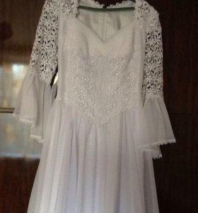 Свадебное платье р.46-48