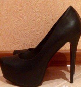 Туфли классические, чёрные