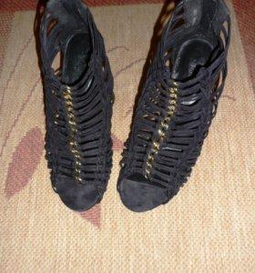 Туфли фирмы Mango