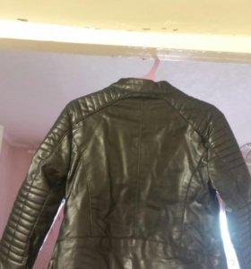 Куртка на девочку кожанная