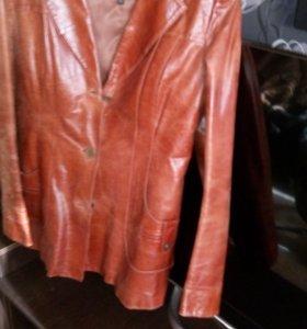 Курточка натуральная кожа