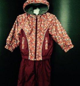 Ветровочный костюм на флисе на девочку