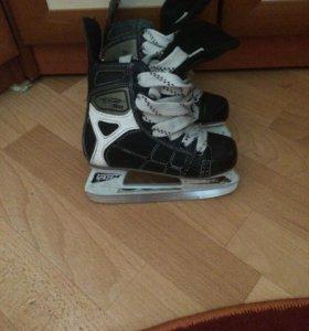Хоккейные коньки детские размер 29