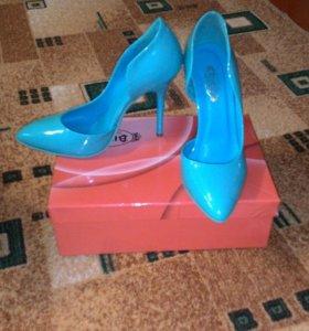 Продаю туфли 37 размер