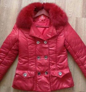 Осенне-зимняя куртка с натуральным мехом песца