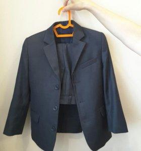 Школьный костюм на мальчика р.140