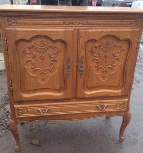 Старинный дубовый шкаф,комод из Голландии.