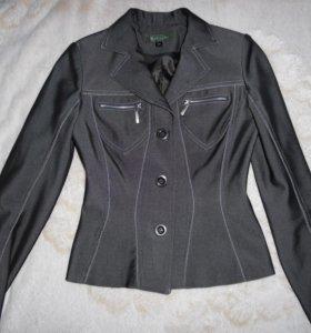 Костюм тройка (пиджак, юбка, брюки) 40 р.
