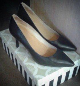 Туфли черные кожаные (р 37)