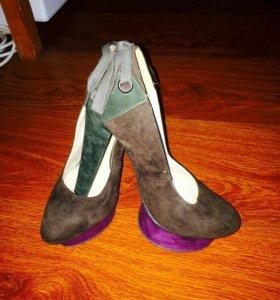 Продам туфельки ( несколько пар)
