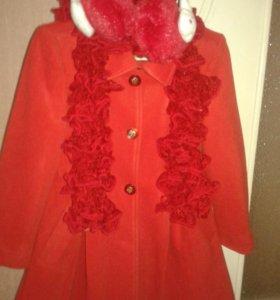 Продам пальто для модницы