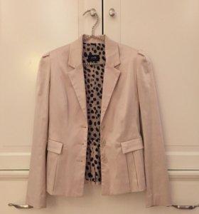 Пиджак атласный бежевый S
