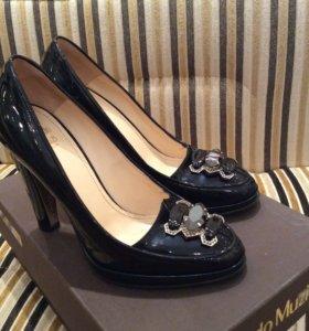 Новые нарядные лаковые туфли Nando Muzi 36 р