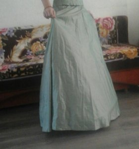 Продается платье в хорошем состоянии.